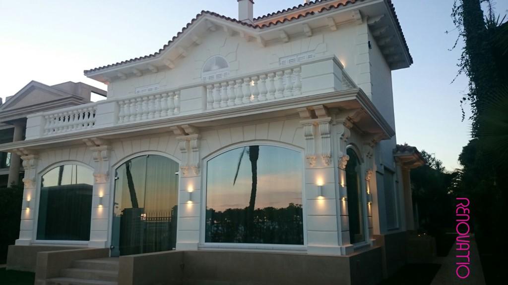 🇪🇸  Maravillosa fachada principal 🇺🇸  A magic moment in the main facade